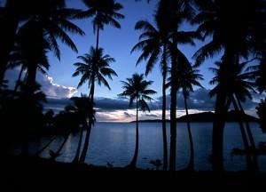 Chuuk, plaża o zachodzie słońca