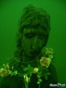Madonna z jeziora - Diver24